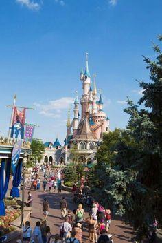 Le Château de la Belle au Bois Dormant | Sleeping Beauty Castle | Fantasyland | Disneyland Paris