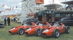 """The of Luigi Musso, Mike Hawthorn and Wolfgang von Trips, 1958 French GP, Reims. Sports Car Racing, Drag Racing, Race Cars, F1 Racing, Ferrari Racing, Ferrari F1, Ferrari Scuderia, Grand Prix, Luigi"
