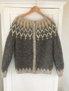 Fair Isle Knitting Patterns, Sweater Knitting Patterns, Knitting Designs, Knit Patterns, Knitting Socks, Baby Knitting, Norwegian Knitting, Knitwear, Knit Crochet
