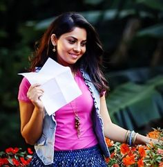 "Classmate Girl ""Sonalee Kulkarni"".. Jean Outfits, Skirt Outfits, Sonalee Kulkarni, Bollywood, Glamour, Actresses, Jeans, Face, Skirts"