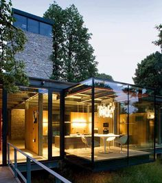 Leben in Glas, Stahl, Stein und der Natur - Das Jodlowa Haus bei Krakau