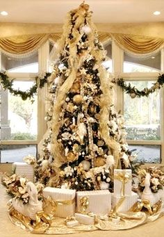 beautiful decorated gold silver christmas tree and gifts ck e hs