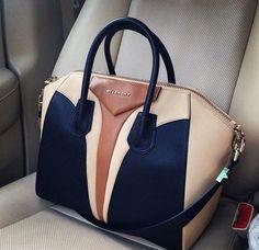 Love this Givenchy bag! I Love ♡ this Givenchy Bag ! Michael Kors Outlet, Michael Kors Bag, Bucket Bag, Fendi, Gucci, Sacs Design, Givenchy Antigona, Givenchy Bags, Givenchy Beauty