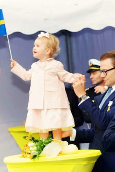 Princess Estelle with her dad, Prince Daniel, on the day of the City of Stockholm Celebration for King Carl Gustaf's 40th Jubilee on 15 Sept 2013. http://media-cache-ak0.pinimg.com/originals/56/c0/44/56c04429344ce882031f7acaf33e6051.jpg