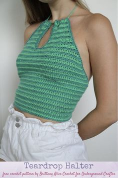 Get ready for warm weather with this beginner-friendly crochet halter top pattern and video with detailed tips for measuring and customizing size. Crochet Summer Tops, Crochet Halter Tops, Crochet Shirt, Crochet Crop Top, Easy Crochet, Knit Crochet, Crochet Top Outfit, Crochet Outfits, Diy Crochet Clothes