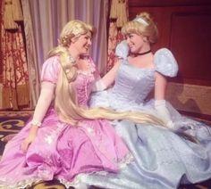 Rapunzel And Flynn, Disney Rapunzel, Disney Girls, Disney Princesses, Disney World Characters, Disney Movies, Disney Princess Cosplay, Fairy Tale Story Book, Walt Disney Pictures