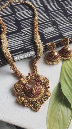 Antique Jewellery Designs, Gold Jewellery Design, Gold Jewelry, Unique Jewelry, Indian Jewelry Sets, Corals, Jewelry Patterns, Jewels, Gold Jewellery