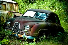 Saab ( 1955 ) This car as old as me. Retro Cars, Vintage Cars, Antique Cars, Volvo, Automobile, Saab 900, Abandoned Cars, Abandoned Vehicles, Rusty Cars