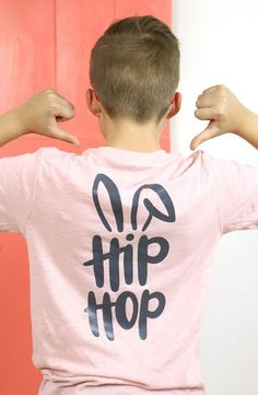 boys easter shirt - diy hip hop bunny t shirt back diy shirts How to Layer Heat Transfer Vinyl: Cool Boys Easter Shirt DIY - Persia Lou Easter Shirts For Boys, Boys Shirts, T Shirt Body, Shirt Diy, Diy Tank, Vinyl Shirts, Tee Shirts, Easter Outfit, Cricut Vinyl