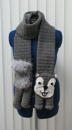 Squirrel Scarf and Tote Set Crochet door
