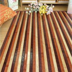 La nueva colección de alfombras de bambú, ahora con nuevas y luminosas combinaciones de color, en cinco medidas diferentes.