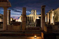 Venerdì agli scavi: percorsi di visita serali a Pompei ed Ercolano #pompei #ercolano #bedandbreakfastpompei #venerdialmuseo