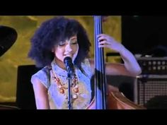 ▶ What A Wonderful World (Louis Armstrong cover) Esperanza Spalding Jimmy Heath live 2012 Lyrics - YouTube