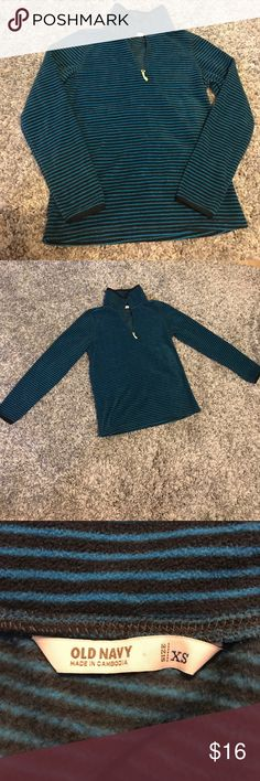 Old Navy Women's XS Stripped Fleece Pullover This is soooo cute and soft! Reasonable offers accepted! Bundle for a private discount! Old Navy Tops Sweatshirts & Hoodies