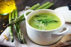 Soupe glacée aux asperges