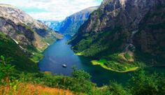 Cruise through the Nærøyfjord and experience the UNESCO-listed fjord landscape first-hand - Photo: Katrin Moe