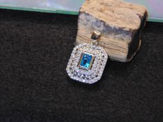 Natural 3ct Blue & White Topaz Pendant 100% 925 Sterling Silver 1