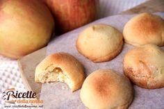 I cuor di mela sono dei biscotti di pasta frolla ripieni di mela commercializzati in Italia da un famoso marchio. Questa è la ricetta per prepararli in casa.