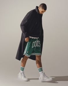 He dunked on LeBron, helped lead the Celtics deep into the playoffs, and can call Kobe his own personal Yoda. But the most exciting thing about Jayson Tatum? Nba Fashion, Tennis Fashion, Basketball Jersey Outfit, Celtics Basketball, Basketball Players, Dope Outfits For Guys, Summer Outfits Men, Jayson Tatum, Kyle Kuzma