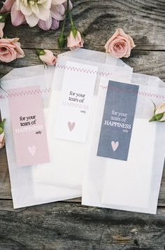 Seriously sweet tissue bags. Photography by braedonphotography.com, Design   Coordination by allyouneedisloveevents.com