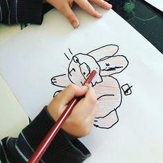 Na wer erkennt ihn?  Sebastian kann Ostern dieses Jahr gar nicht mehr abwarten.  #malenlernen #osterhase #malen #kinder Instagram Widget, Website, How To Make, How To Paint, Easter Activities, Christmas