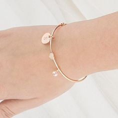 Our Personalized Wire Bracelet with Sliding Heart Pendant makes a stunning piece of bridesmaid jewelry for the ladies in your wedding party. Gold Heart Bracelet, Love Bracelets, Bride Earrings, Silver Earrings, Sea Glass Jewelry, Fine Jewelry, Jewelry Hooks, Jewelry Gifts, Bridesmaid Bracelet