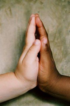 Today is Race Unity Day ~ Love, Peace and Understanding. Always start with love. We Are The World, People Of The World, Beautiful Children, Beautiful People, Precious Children, Beautiful Hands, Praying Hands, Holding Hands, Jolie Photo