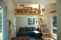 ロフトの上の天井の低い多目的スペース