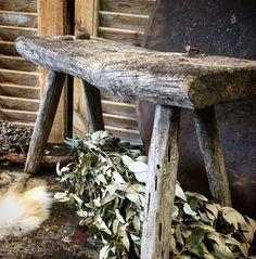 #stoer #oud #vergrijsd #krukje #lovely #landelijke #lifestyle #vintage #hetgrachtenpand elke dag geopend tot 17 uur vrijdag tot 21 uur Hagenweg 3d Vianen www.hetgrachtenpand.com