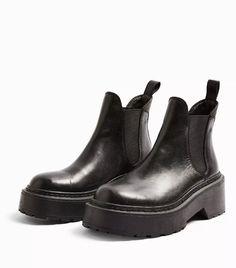 Topshop Aiden Black Leather Chelsea Boots Sneakers Looks, Classic Sneakers, White Sneakers, Black Leather Chelsea Boots, Black Boots, Topshop Boots, Two Toned Jeans, Bleached Denim, Denim Trends