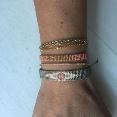 Så fine armbånd til sommerarmen☀️ #bracelets #armbånd #miyukibeads #miyukibracelet #miyukiarmbånd #perlevævning #sommerarme #tilsalg #sælges #homemade #hjemmelavet #diy #miyuki #miyukidelica #sommermode2018 #påbestilling #byhandcph