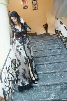 Robecaftan#ajusté#incrusté#couleur noir et bordeaux #hautecouture#laila#Gheziel#binicioglu#Tingomode