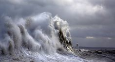 Lighthouse Waves | by wentloog