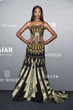 All your favourite models turned up for the amfAR Gala red carpet in Milan - Vogue Australia