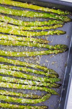Parmesan Baked Asparagus Food with Feeling is part of Asparagus recipes baked - This Parmesan Baked Asparagus recipe is a quick and easy side dish that's perfect for dinner You can't go wrong with cheesy asparagus! Healthy Side Dishes, Side Dishes Easy, Veggie Dishes, Side Dish Recipes, Gourmet Recipes, Cooking Recipes, Healthy Recipes, Esparagus Recipes, Recipies