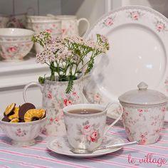 Присмотритесь к этой цветочной нежности, разве она не прекрасна? Каждая чашечка добавит чуточку романтики в ваш день! ☺️ #le_village #greengate #missetoile #готовимдома #пп #прованс #грингейт #посуда #фудфото