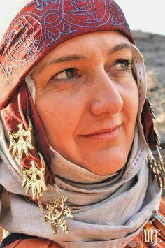 De zogeheten 'tempel ringen' zijn een populaire acessoire bij Ranuriaanse vrouwen van alle standen