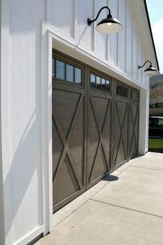 Modern Farmhouse Exterior Designs (21)