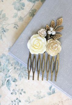 Hair Comb Wedding Hair Accessories Flower by apocketofposies