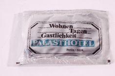 """DDR Museum - Museum: Objektdatenbank - Erfrischungstuch """"Palasthotel""""    Copyright: DDR Museum, Berlin. Eine kommerzielle Nutzung des Bildes ist nicht erlaubt, but feel free to repin it!"""