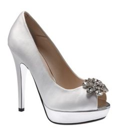 would be super cute with a blue bow clip! From E Live From the Red Carpet Platform Pumps White Bridal Shoes, Satin Shoes, Evening Shoes, Blue Bow, Platform Pumps, Girls Eyes, Wedding Accessories, Red Carpet, Shoe Boots
