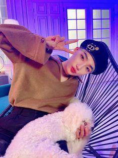 Shake You Down, Fandom, Kpop Outfits, Kpop Boy, K Idols, Boyfriend Material, Pop Group, Photo Cards, Pretty Boys