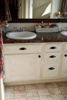 The Moon and Me: Master Bath mini makeover ~ part 2, the reveal