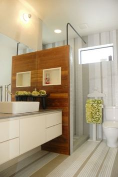 salle de bain - sol et mur - rayure verticale - bande irrégulière