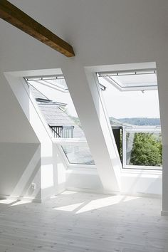 VELUX CABRIO Balcony System - Enjoy a Juliet balcony in your roof loft conversion- lighting … Attic Loft, Loft Room, Bedroom Loft, Attic Office, Upstairs Loft, Attic House, Attic Playroom, Bedroom Windows, Attic Renovation