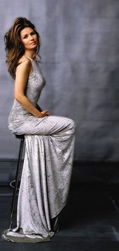Shania Twain - best-selling and accomplished Canadian singer - songwiter and one of the most beautiful female country singers. Beautiful Celebrities, Most Beautiful Women, Beautiful People, Simply Beautiful, Country Women, Country Girls, Country Music, Country Singers, Shania Twain Pictures