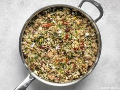 Greek Turkey and Rice Skillet is an easy and flavorful ground turkey recipe that cooks in one skillet for maximum flavor and minimum effort. Spinach Rice, Frozen Spinach, One Pot Meals, Main Meals, Greek Rice, Greek Turkey Burgers, Healthy Cleanse, How To Cook Rice, Ground Turkey Recipes