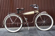 Shaft drive elgin robins made in 1936 this one owned by Jessie james Beach Cruiser Bikes, Old Bicycle, Vintage Bicycles, Retro Vintage, Jessie James, Lowrider, Balloon, Robins, Heartbeat