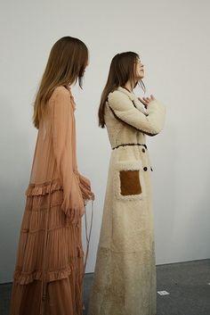 Chloé AW15, Dazed backstage, Womenswear, Paris #pixiemarket #fashion #womenclothing @pixiemarket