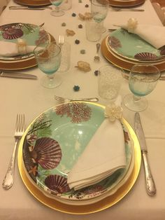Tray, Plates, Table Decorations, Tableware, Kitchen, Home Decor, Licence Plates, Dishes, Dinnerware